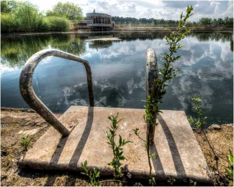 Old swimming pool-14