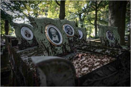 Cemetery of the skull-11