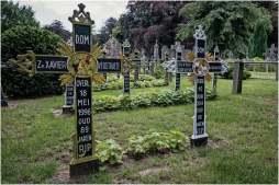 Cemetery of the skull-8-2