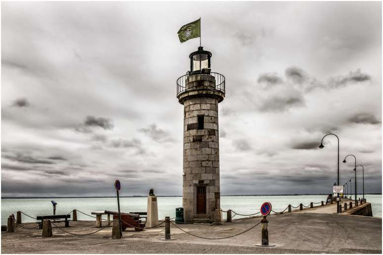 Cancale lighthouse